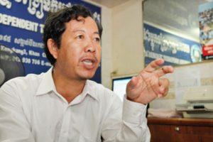 Rong Chhun-worker
